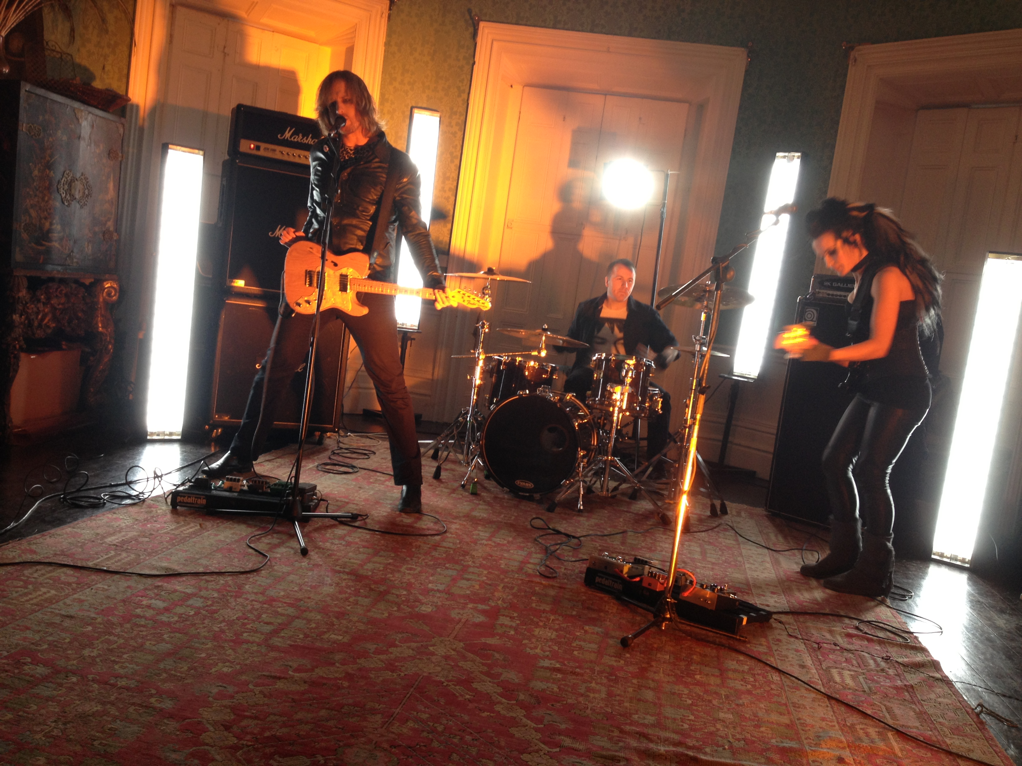 The Laundry Shop  'Overhead'  {Official Music Video} – Behind The Scenes